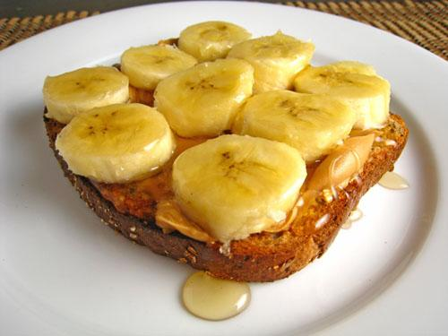 wholemeal toast with peanut butter